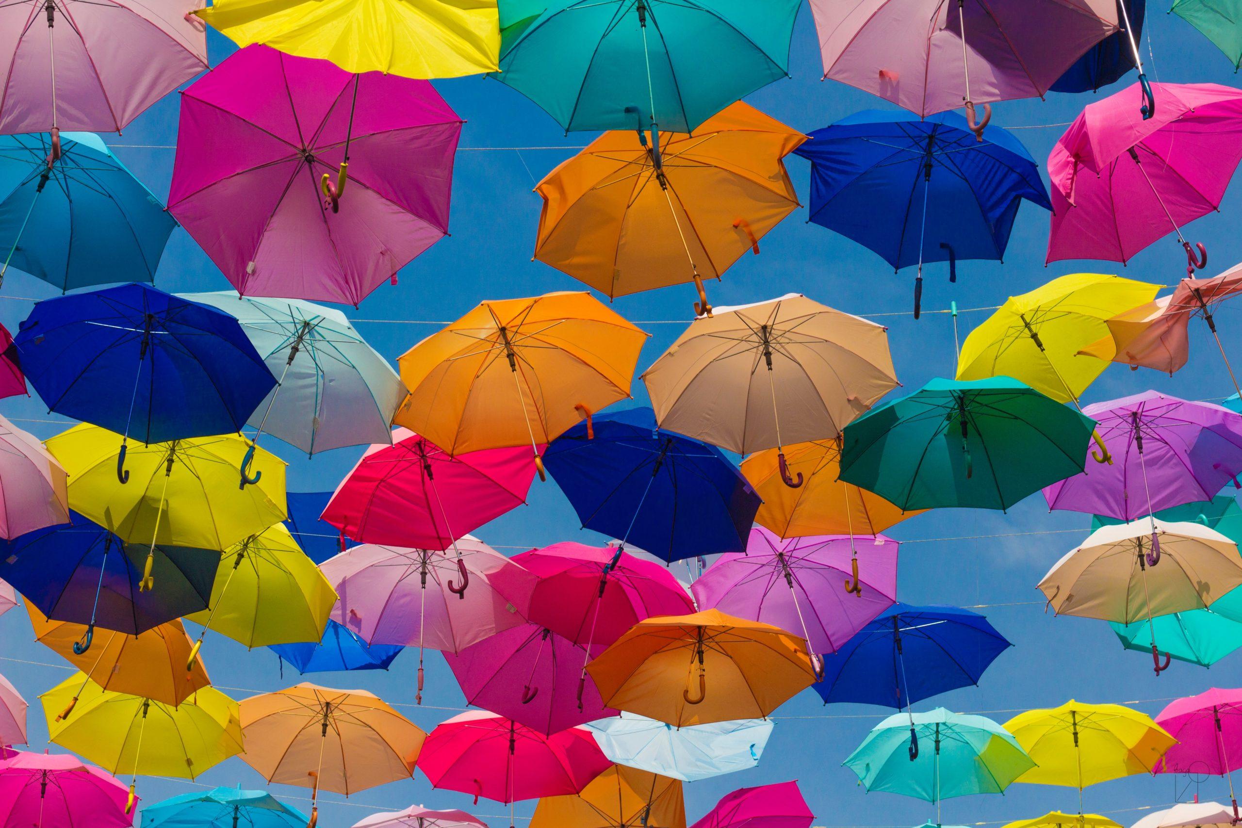 Des parapluies qui signifient la sécurité